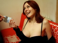 Vidéo porno mobile : Larry meets a sexy french redhead with big tits
